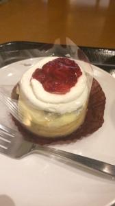 ストロベリークッキーチーズクリームケーキ スタバ
